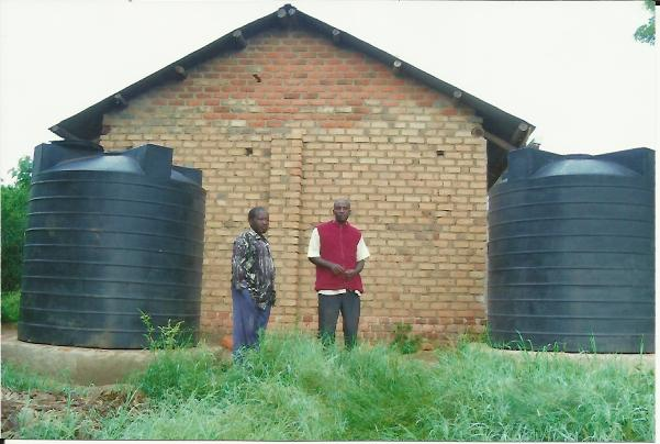 "Compra tanques para recogida de aguas pluviales ""High secondary School Kitoma-Kisindi"""