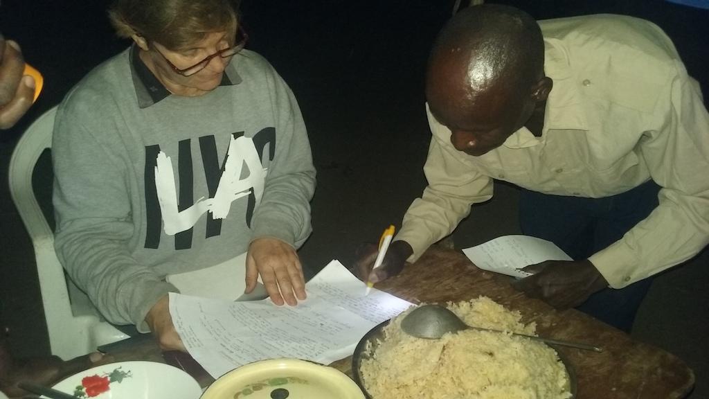 Primer microcrédito a la familia MUPENZI.